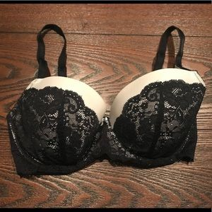 Victoria's Secret Lace Lined Demi Bra - Sz. 34DD